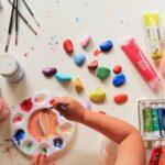 Как научить рисовать самых маленьких деток