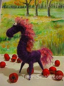 лошадь из ниток к новому году